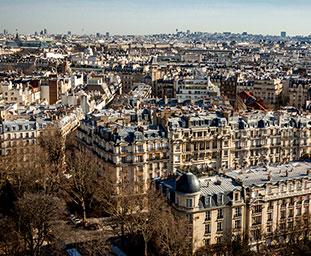 Image des mentions légales représentant une vue aérienne de Paris